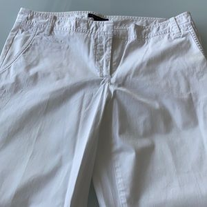 Tommy Hilfiger white  capris size 8 sexy fit